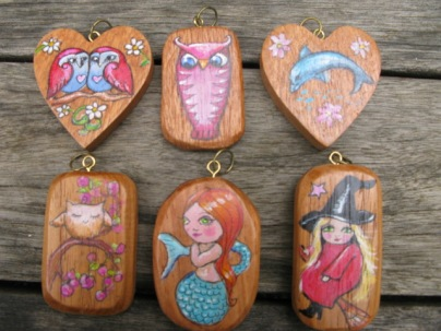 "More examples of these pendants are available in the ""wearable art"" category."
